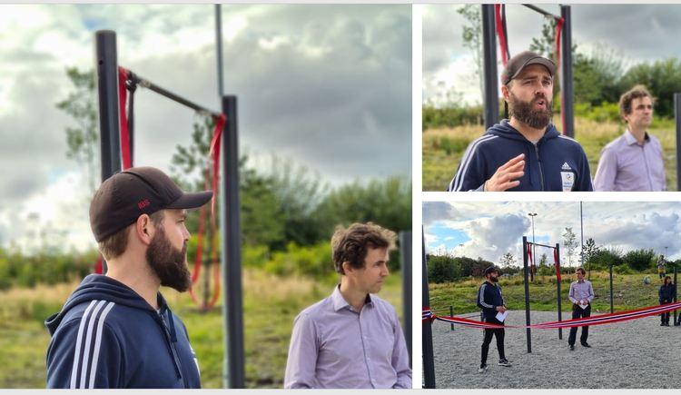 Introduksjon og snorklipping. Even Haganes fra Idrett Bergen Sør introduserer byråd Endre Tvinnereim